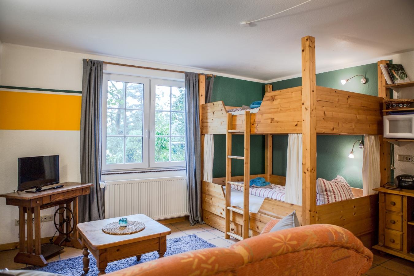 Landhaus Brenner, Alt Güstelitz - WE 1, Blick zum Bett