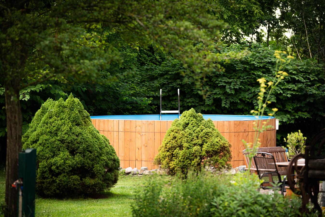 Pool auf dem westlichen Grundstücksbereich, Landhaus Brenner Alt Güstelitz