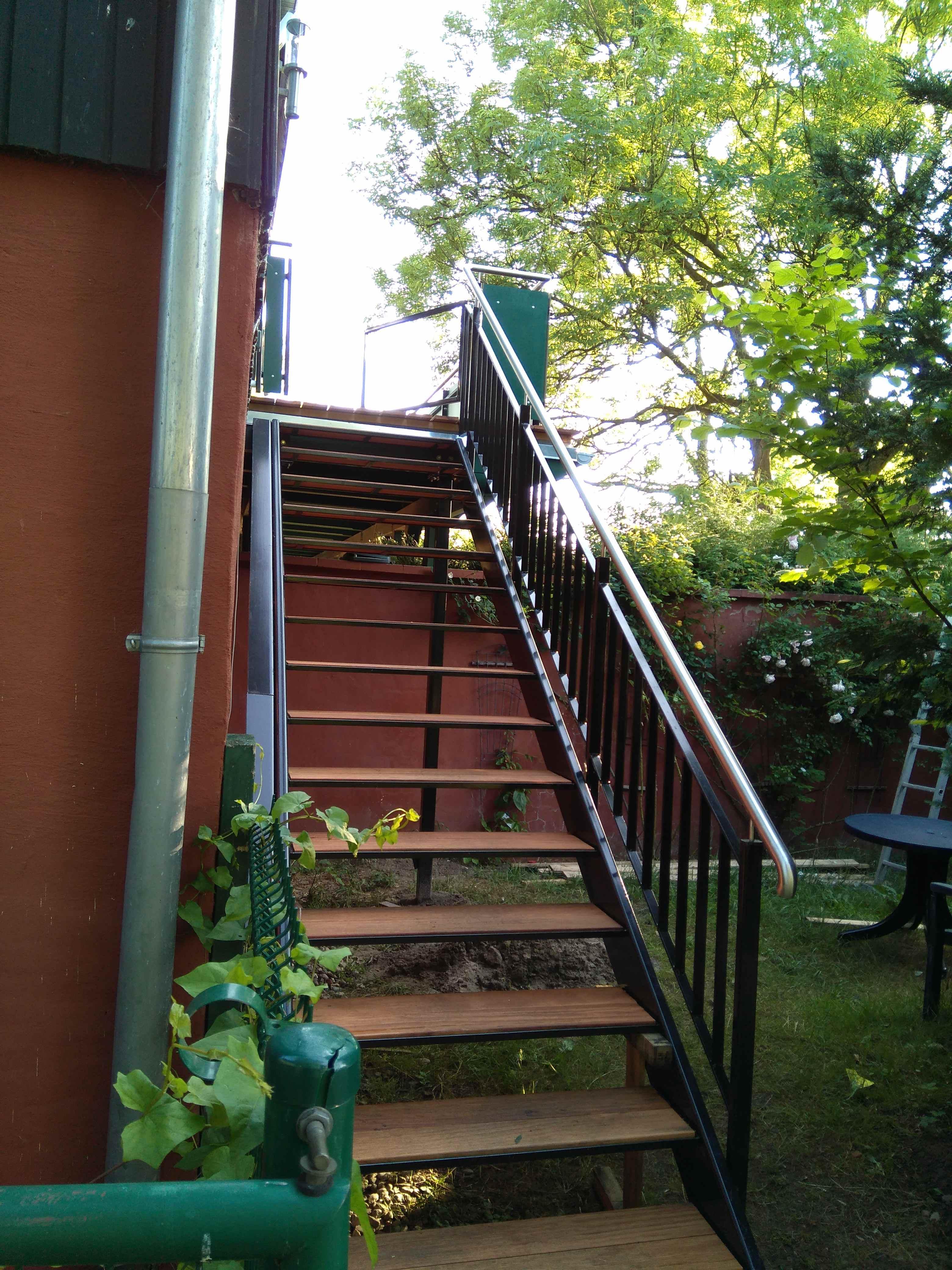 Treppe zu den Wohnungen 4 und 5 im Obergeschoß, Landhaus Brenner Alt Güstelitz